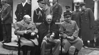 Roosevelt, Churchill and Stalin discuss post WW2 plans at Yalta