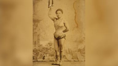 Miss Lala, born Anna Olga Albertina Brown was a famous 19th-century acrobat | Public Domain | Wikipedia