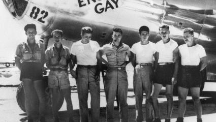 B-29 Enola Gay with the US military crew.