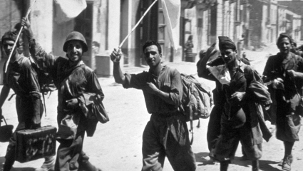 A photograph showing Italian soldiers surrender