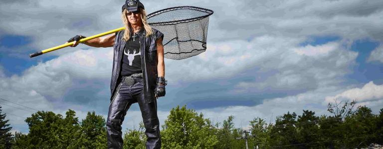 Billy The Exterminator goes North, showing on entertainment TV channel BLAZE.