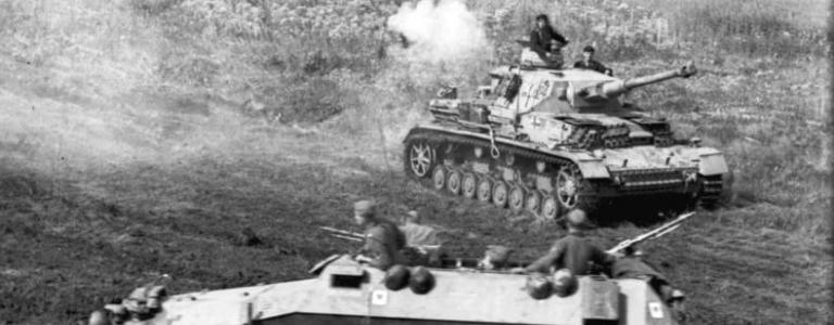 German Panzer IV and Sd.Kfz. 251 halftrack \ Wikipedia