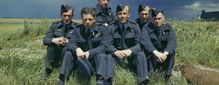 """The crew of """"T for Tommy"""" 