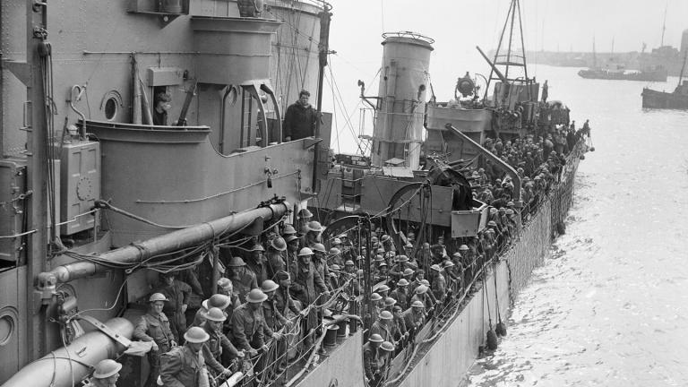 Troops evacuated at Dunkirk, arriving at Dover